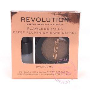 5/25 Makeup Revolution Flawless Foils - Overcome